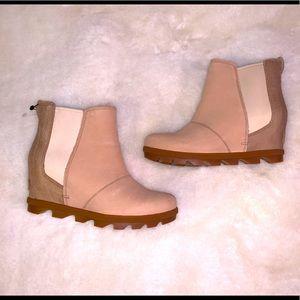 BNWT Sorel Joan of Arctic Wedge boot
